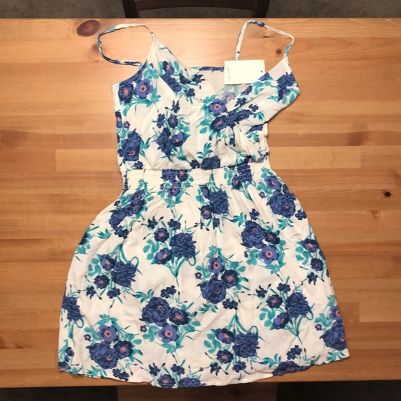 Frenchi Dresses & Skirts - NWT Frenchi Floral Dress